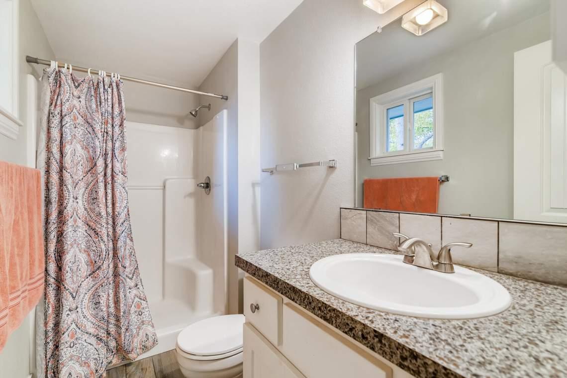 1118-Juliana-Dr-Loveland-CO-large-016-017-Master-Bathroom-1500x1000-72dpi