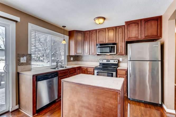 14879 E Columbia Aurora CO-small-013-15-Kitchen-666x444-72dpi