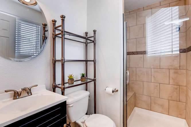 14879 E Columbia Aurora CO-small-017-27-Master Bathroom-666x444-72dpi