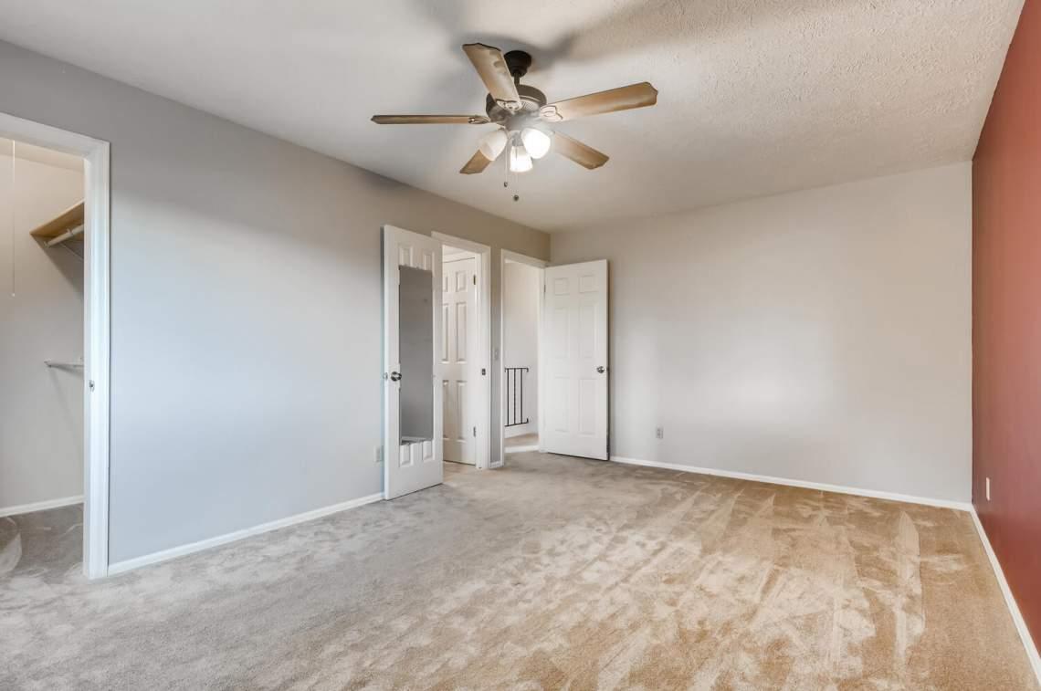 16277-E-Arkansas-Drive-Aurora-large-012-011-2nd-Floor-Primary-Bedroom-1500x997-72dpi