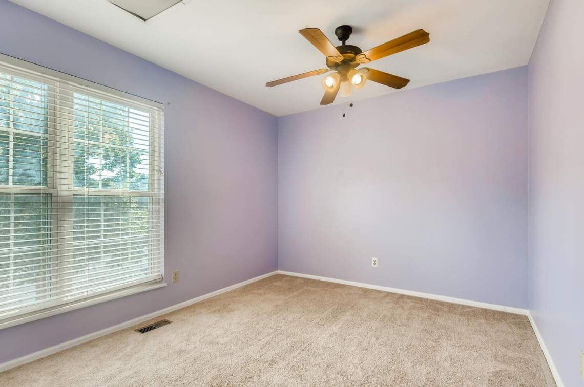 16277-E-Arkansas-Drive-Aurora-large-014-013-2nd-Floor-Bedroom-1500x995-72dpi