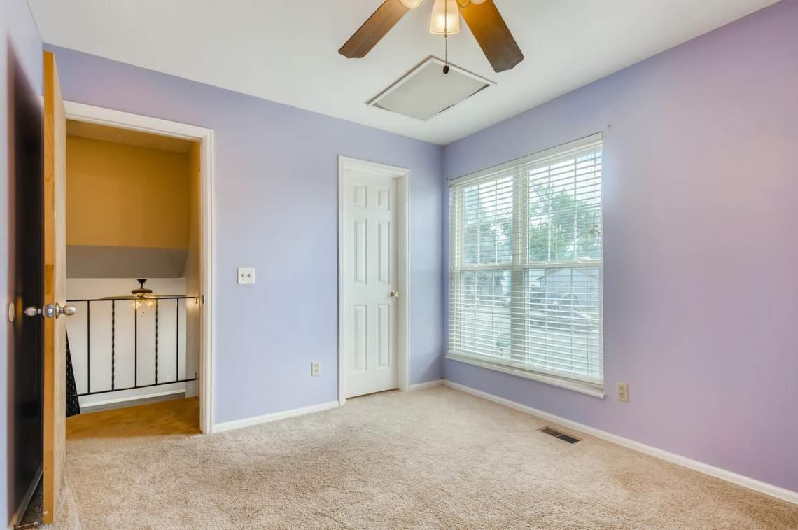 16277-E-Arkansas-Drive-Aurora-large-015-017-2nd-Floor-Bedroom-1500x996-72dpi
