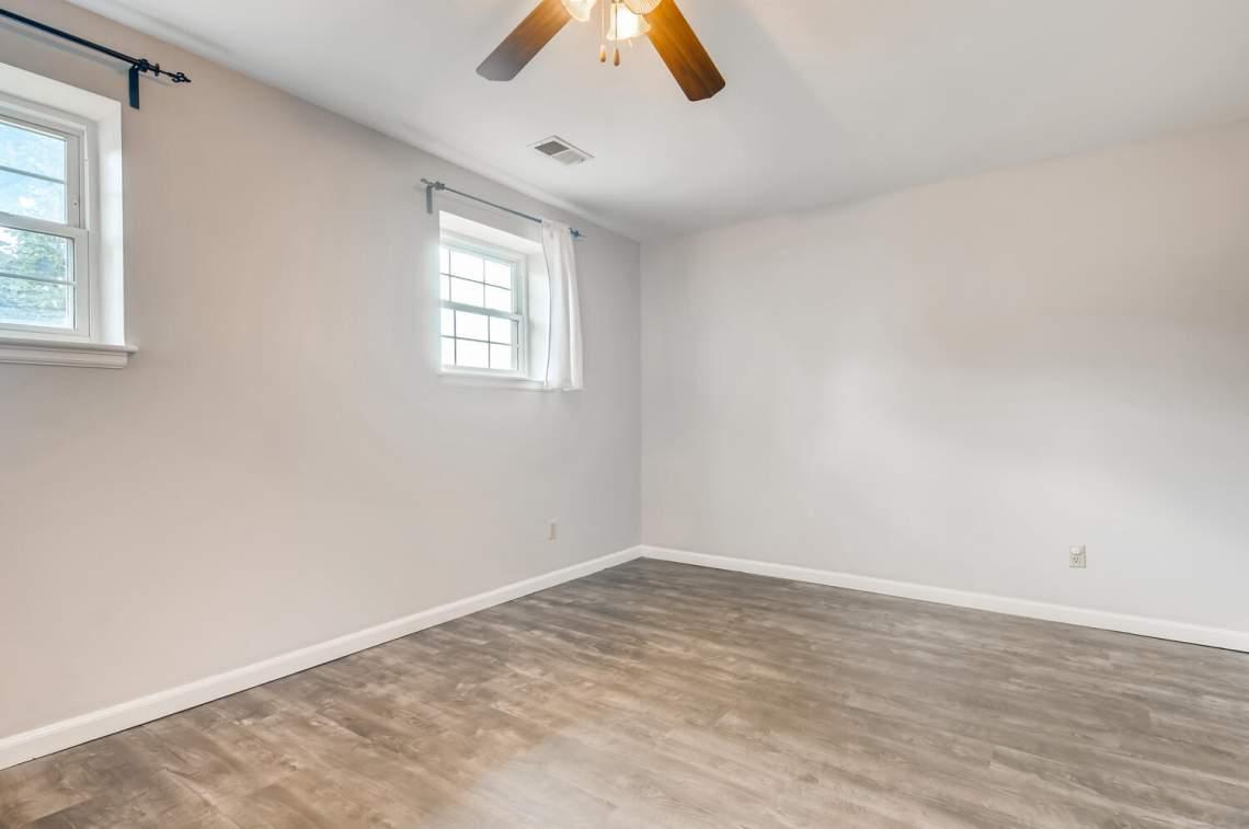 16277-E-Arkansas-Drive-Aurora-large-018-014-Lower-Level-Family-Room-1500x997-72dpi