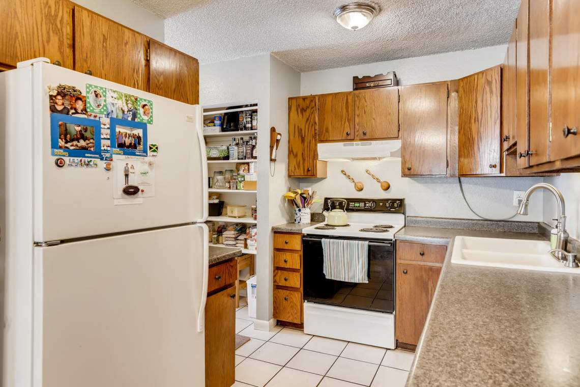 1714-Elis-Circle-Lafayette-CO-008-009-Kitchen-MLS_Size