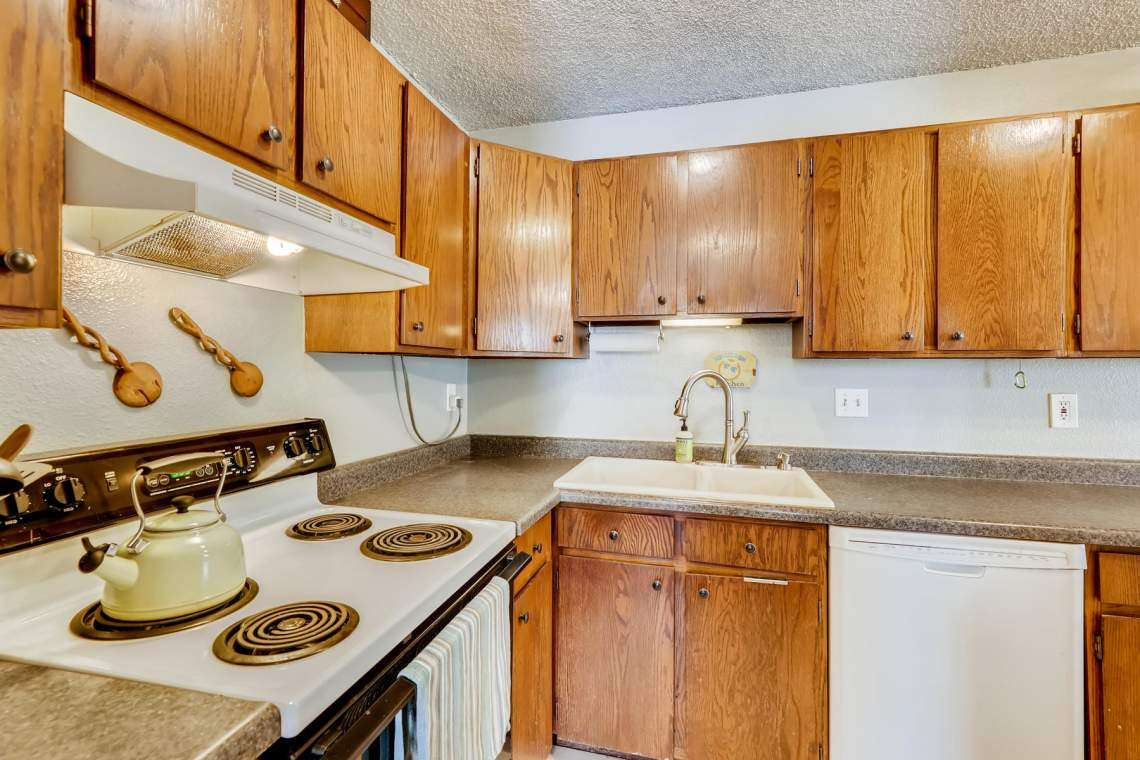1714-Elis-Circle-Lafayette-CO-010-010-Kitchen-MLS_Size