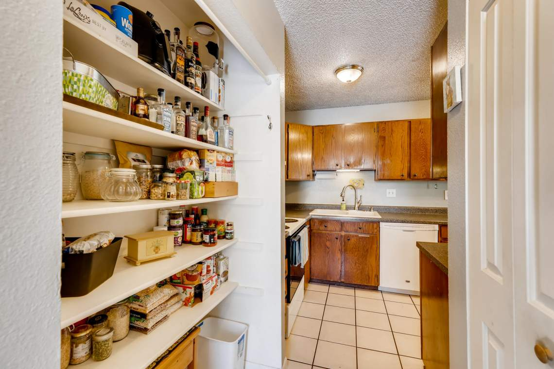 1714-Elis-Circle-Lafayette-CO-012-013-Butlers-Pantry-MLS_Size