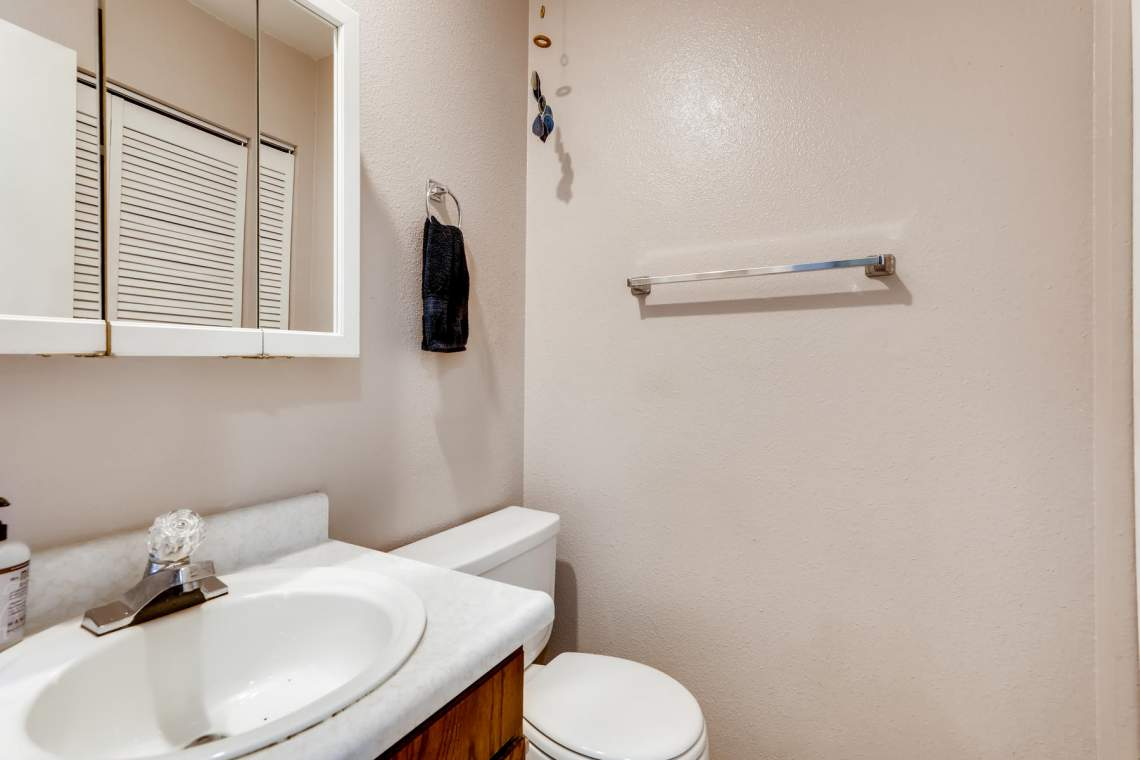 1714-Elis-Circle-Lafayette-CO-013-011-Bathroom-MLS_Size