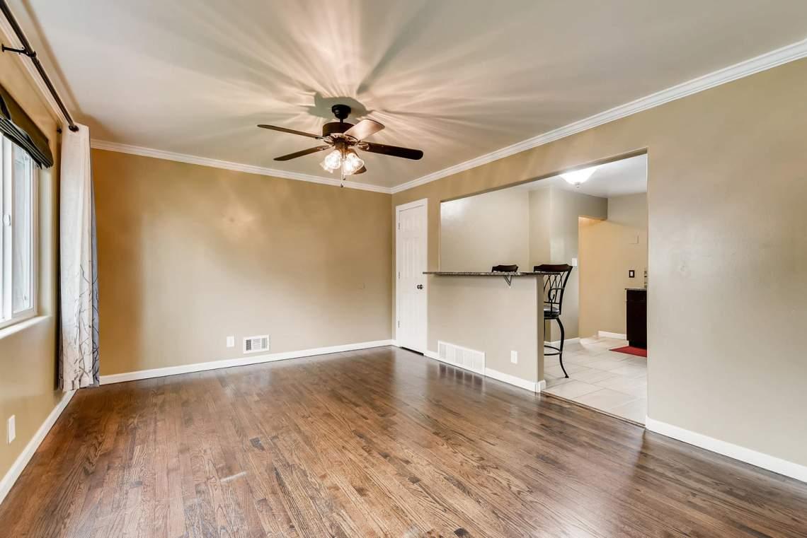 2067-E-115th-Northglenn-CO-large-005-2-Living-Room-1499x1000-72dpi