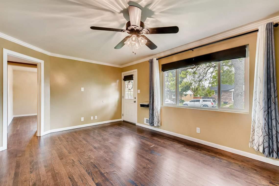 2067-E-115th-Northglenn-CO-large-006-17-Living-Room-1499x1000-72dpi