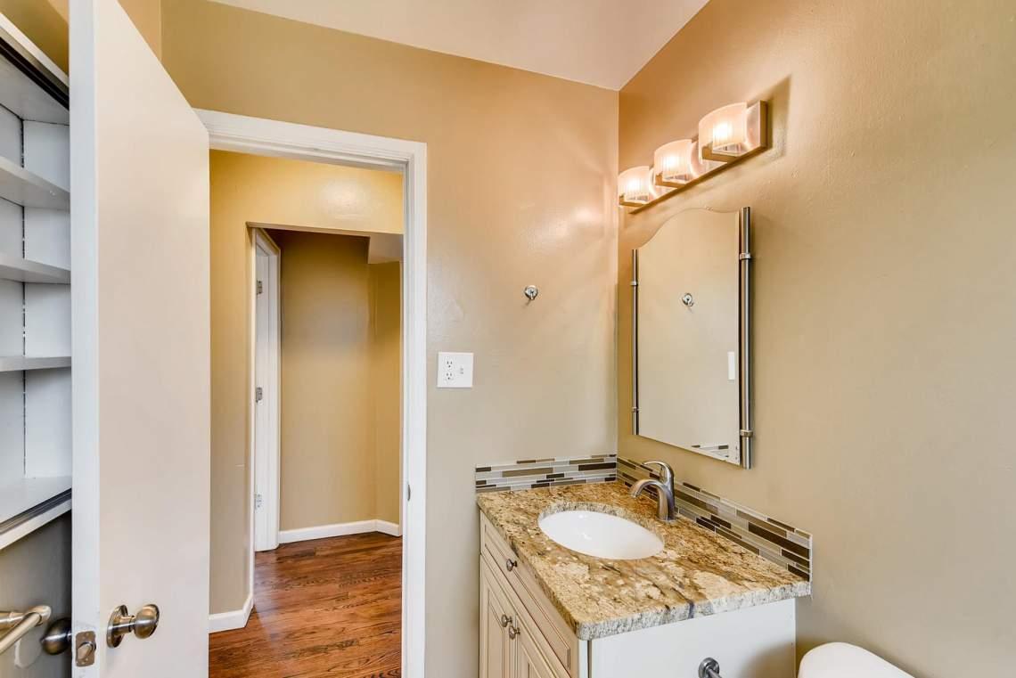 2067-E-115th-Northglenn-CO-large-014-7-Master-Bathroom-1499x1000-72dpi