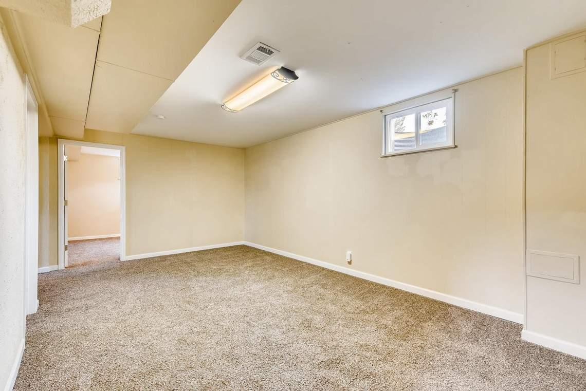 2067-E-115th-Northglenn-CO-large-018-19-Lower-Level-Family-Room-1499x1000-72dpi
