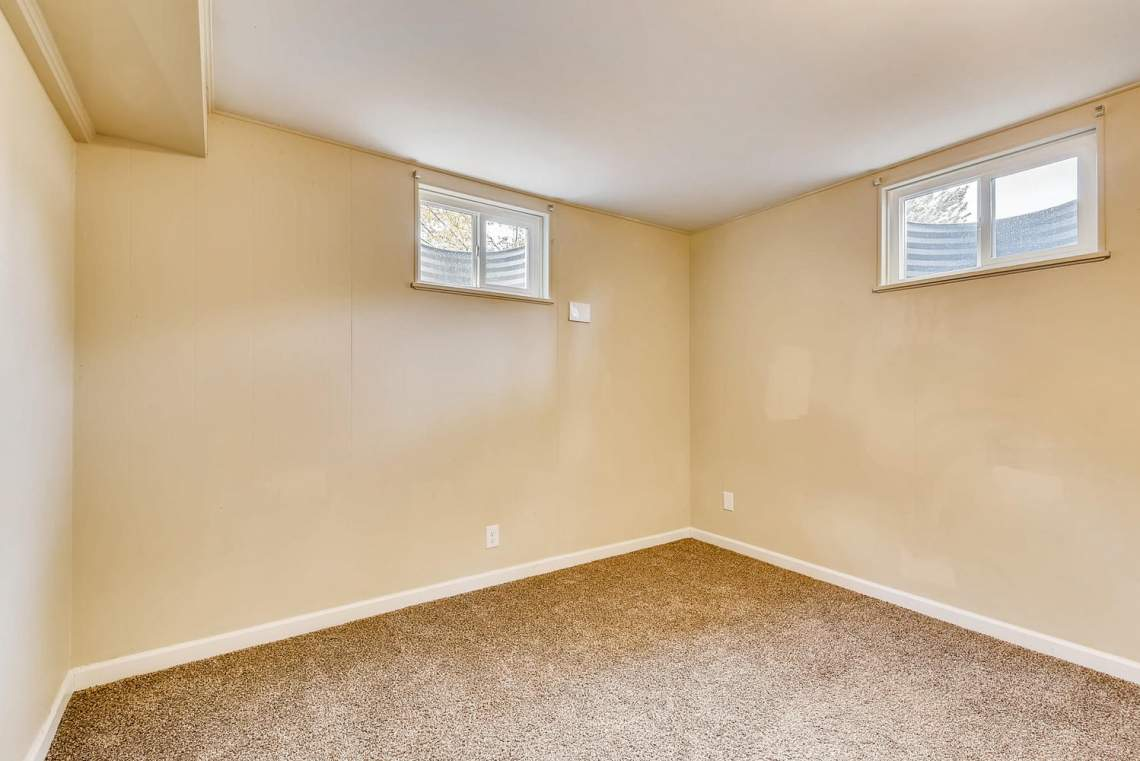 2067-E-115th-Northglenn-CO-large-020-26-Lower-Level-Bedroom-1499x1000-72dpi