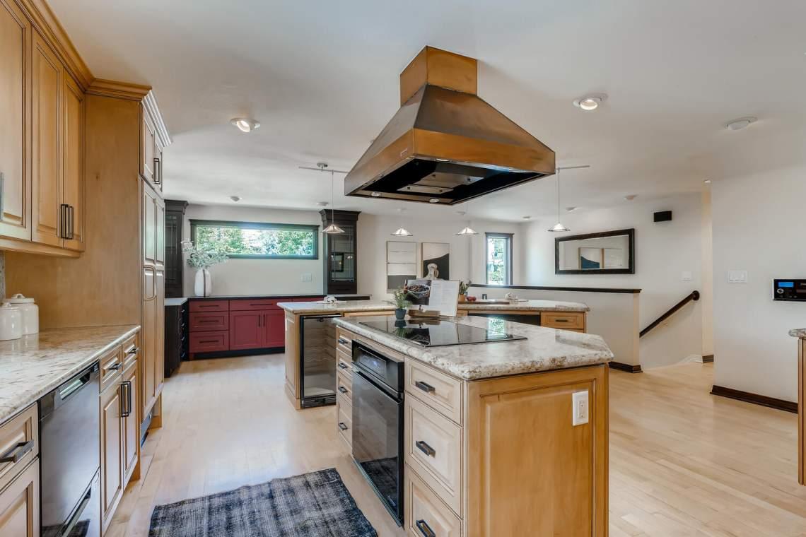 225-S-High-Street-Denver-CO-large-014-019-Kitchen-1500x1000-72dpi