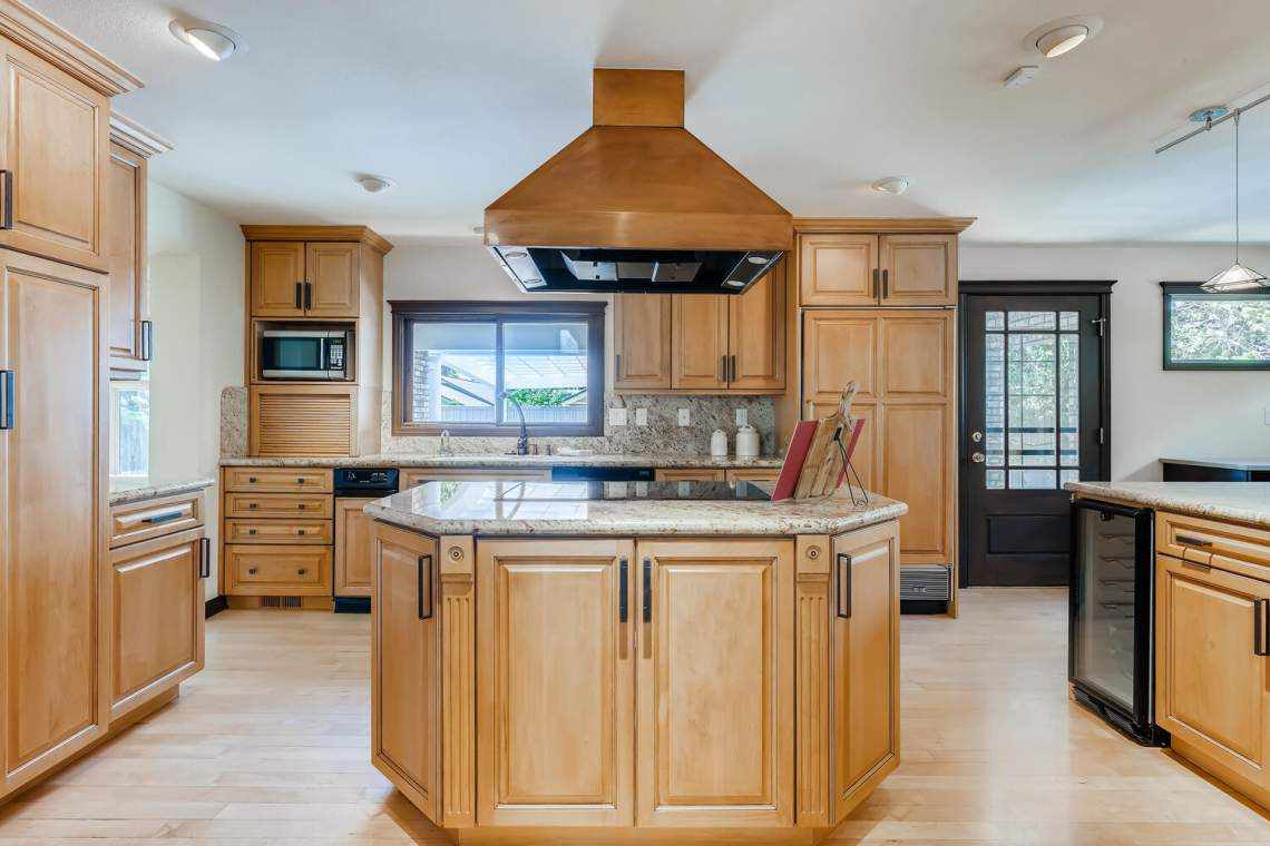 225-S-High-Street-Denver-CO-large-015-022-Kitchen-1500x1000-72dpi