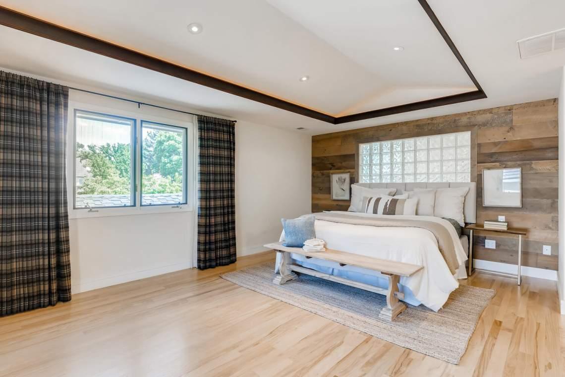 225-S-High-Street-Denver-CO-large-021-029-Master-Bedroom-1500x1000-72dpi
