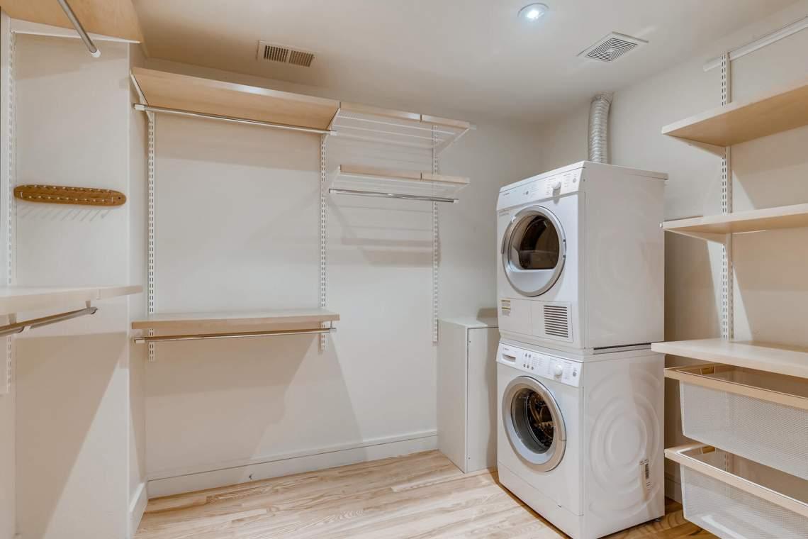 225-S-High-Street-Denver-CO-large-025-044-Master-Closet-1500x1000-72dpi