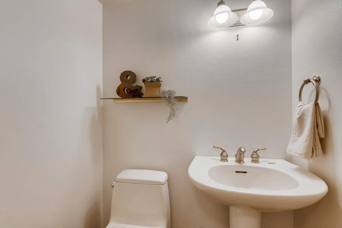 225-S-High-Street-Denver-CO-large-030-051-Lower-Level-Bathroom-1500x1000-72dpi