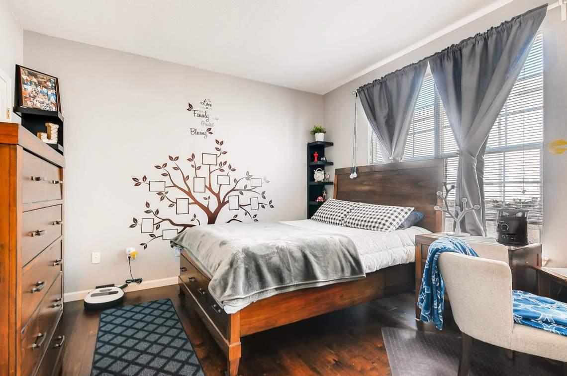 5714-N-Gibraltar-Way-102-large-018-019-Bedroom-1500x996-72dpi