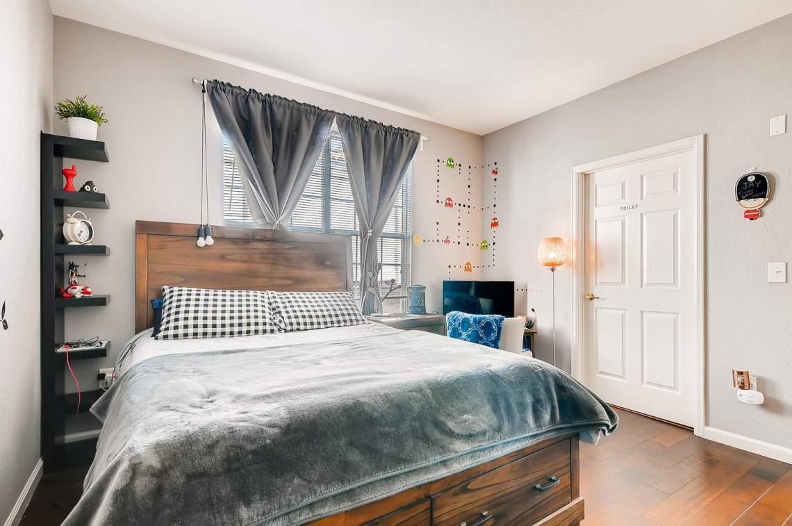 5714-N-Gibraltar-Way-102-large-019-015-Bedroom-1500x997-72dpi