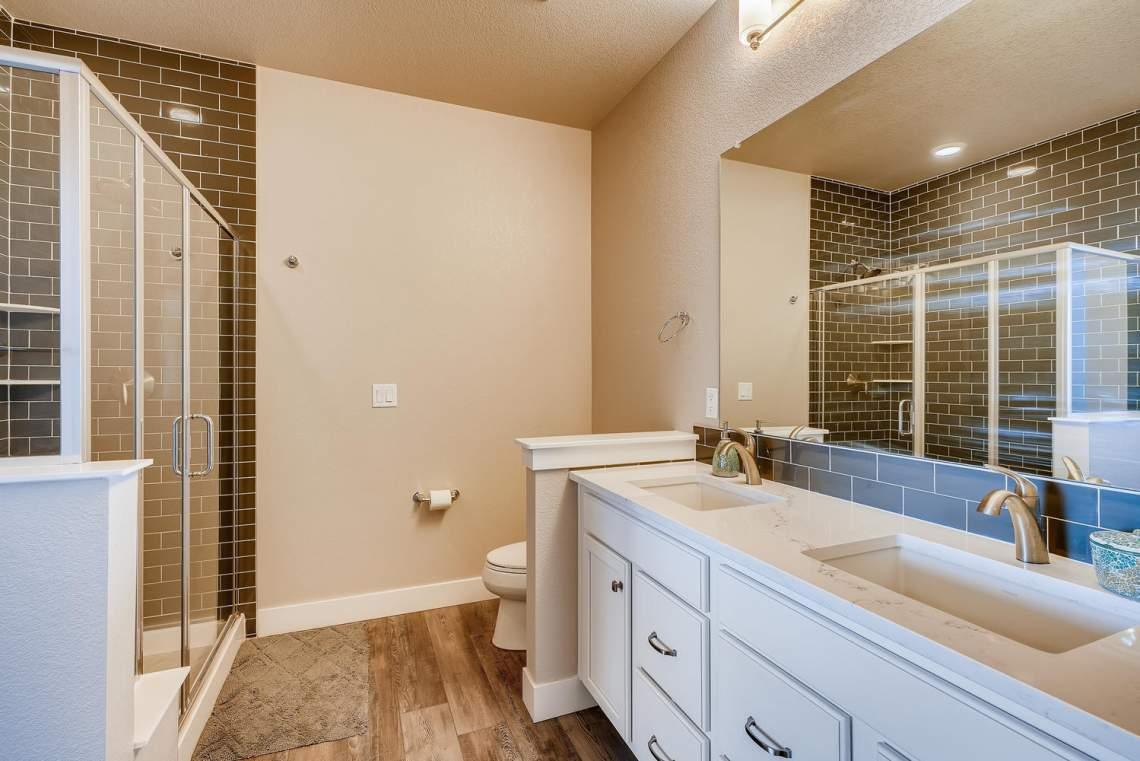 5738-Beeler-Court-Denver-CO-large-016-016-Master-Bathroom-1500x1000-72dpi