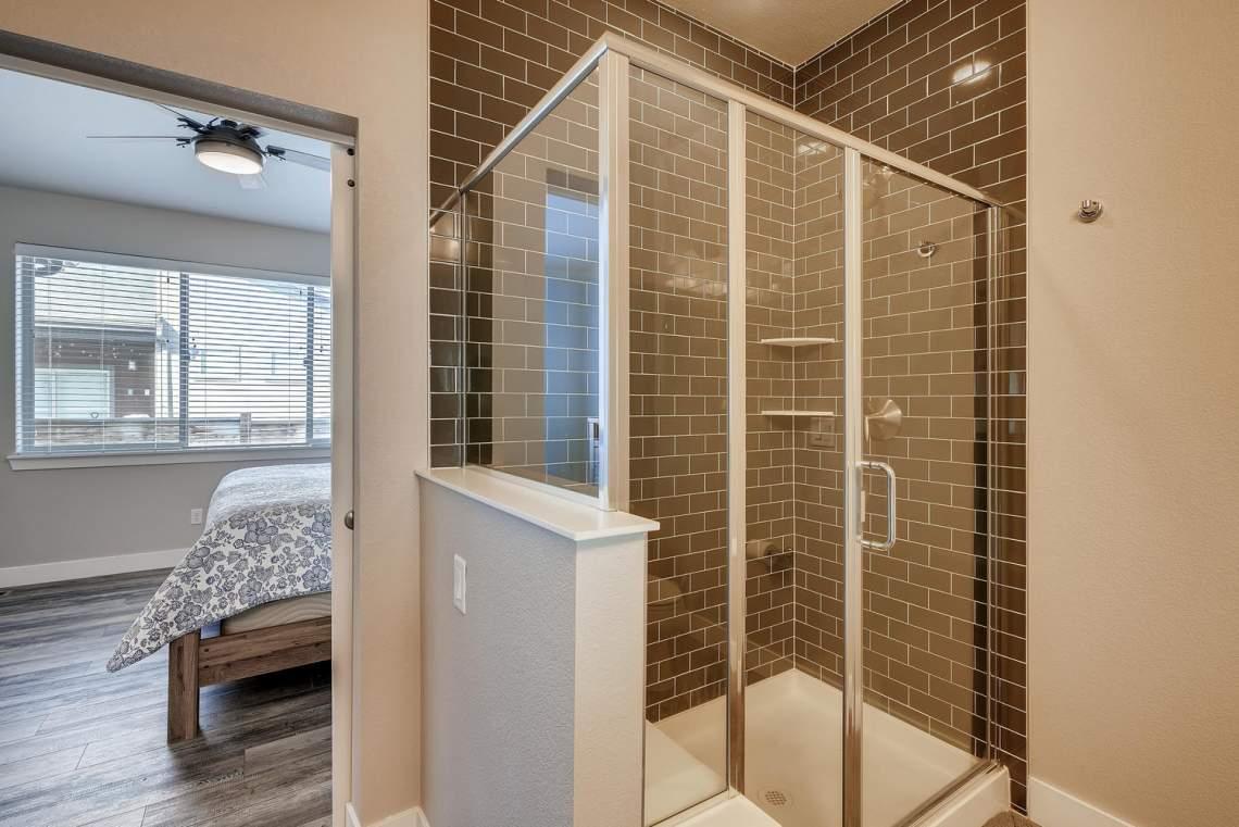 5738-Beeler-Court-Denver-CO-large-017-014-Master-Bathroom-1500x1000-72dpi