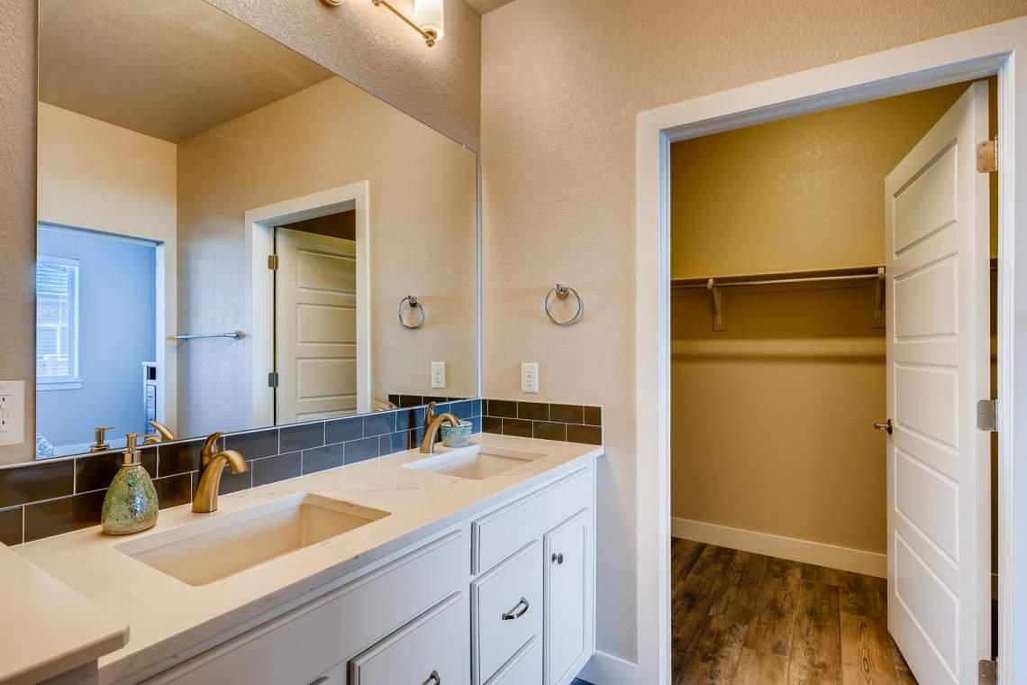 5738-Beeler-Court-Denver-CO-large-018-017-Master-Bathroom-1500x1000-72dpi
