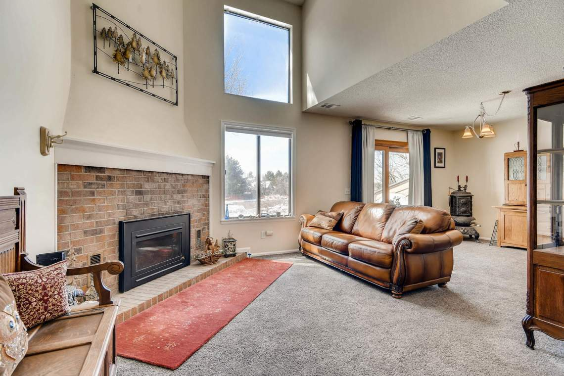 7086 E Dry Creek Circle-large-004-9-Living Room-1500x1000-72dpi
