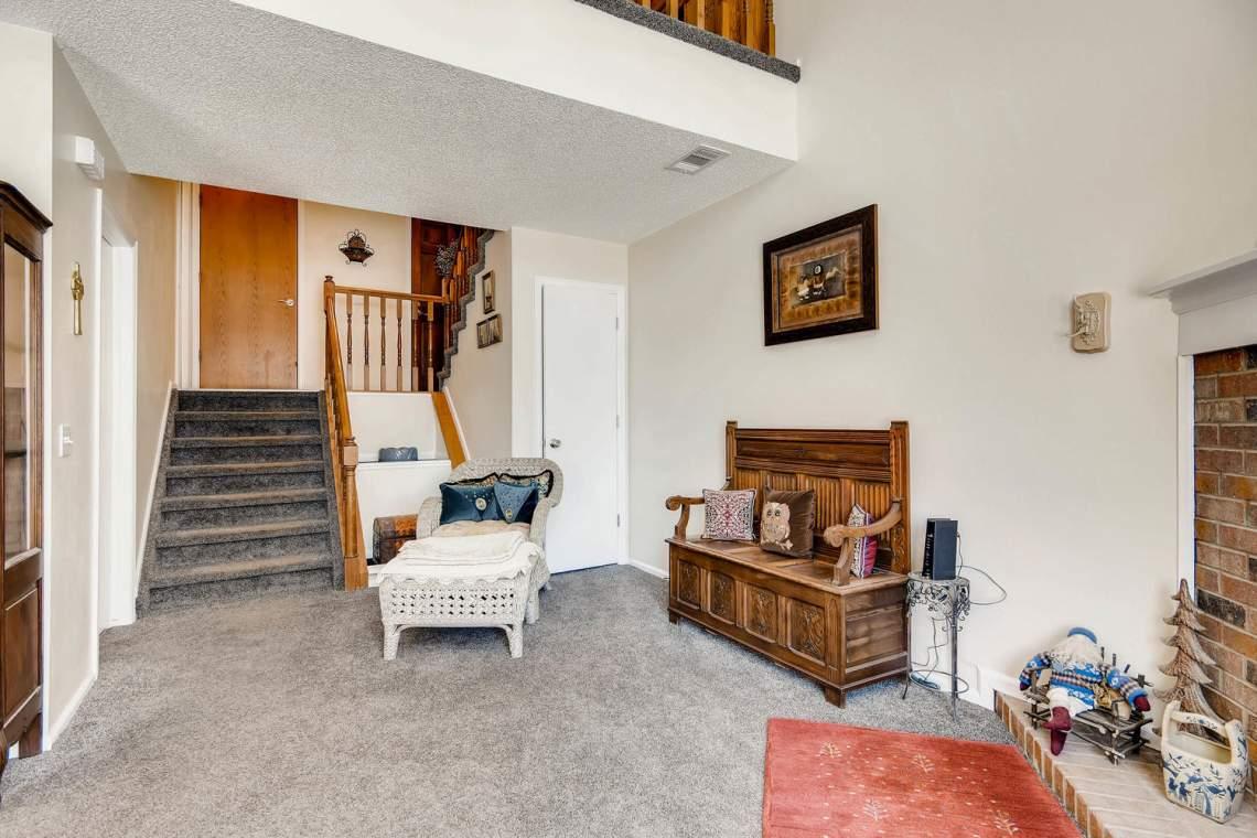 7086 E Dry Creek Circle-large-006-16-Living Room-1500x1000-72dpi