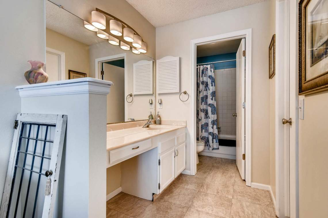 7086 E Dry Creek Circle-large-016-18-2nd Floor Master Bathroom-1500x1000-72dpi