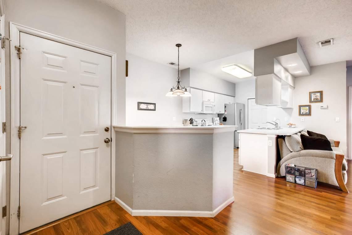 8065-W-Eastman-Place-Denver-CO-large-005-7-Foyer-1500x1000-72dpi