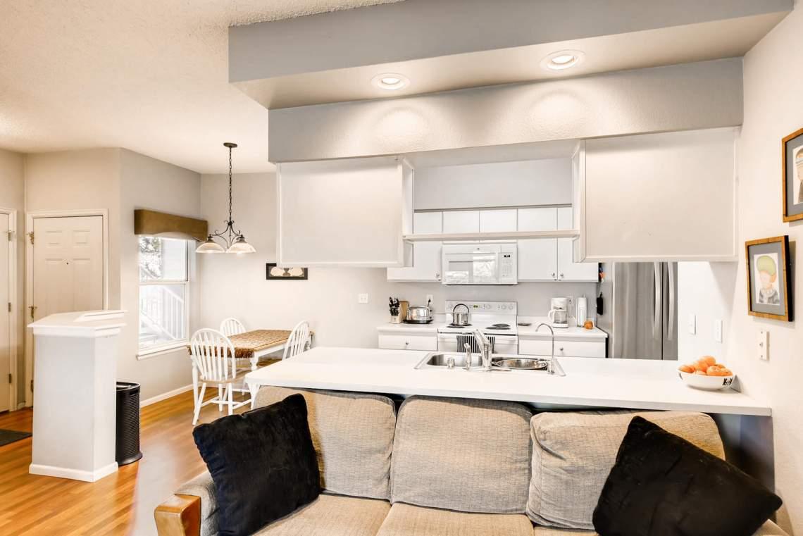 8065-W-Eastman-Place-Denver-CO-large-011-6-Kitchen-1500x1000-72dpi