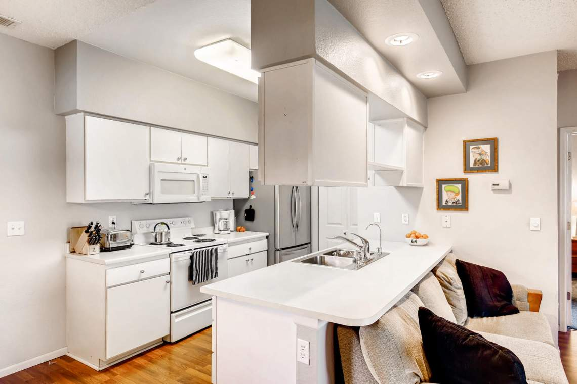 8065-W-Eastman-Place-Denver-CO-large-012-11-Kitchen-1500x1000-72dpi