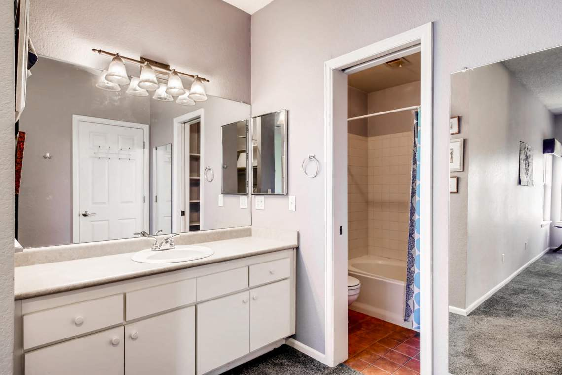 8065-W-Eastman-Place-Denver-CO-large-019-24-Master-Bathroom-1500x1000-72dpi