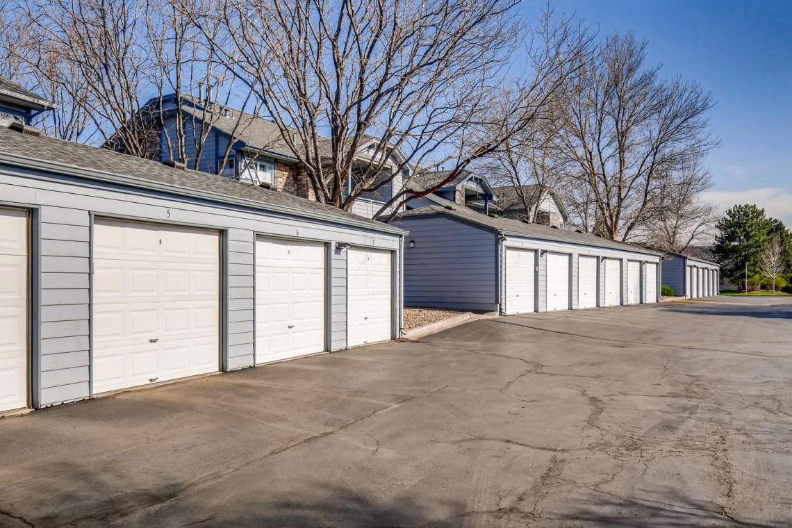8065-W-Eastman-Place-Denver-CO-large-025-23-Garage-1500x1000-72dpi