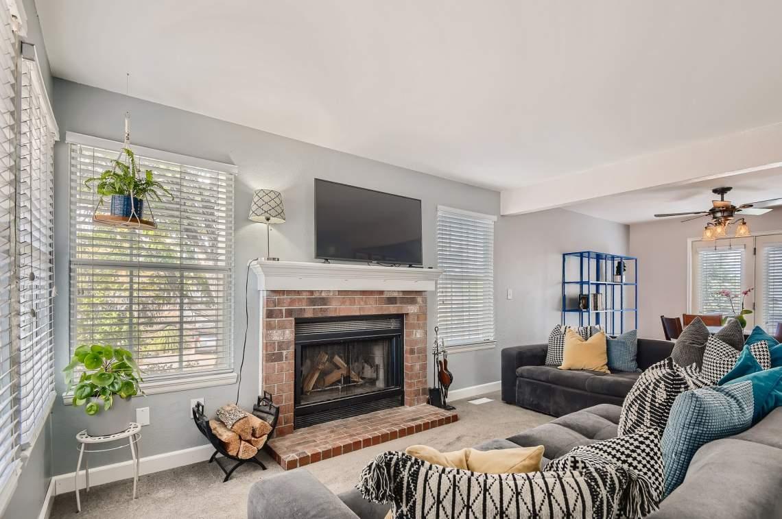 10-Living-Room