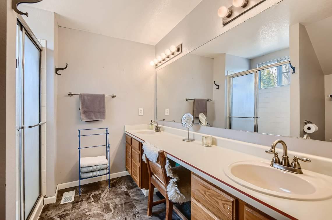 35-2nd-Floor-Primary-Bathroom