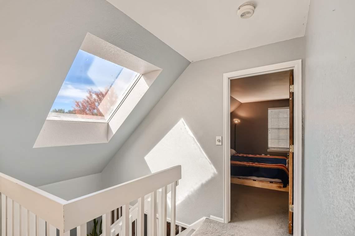 40-2nd-Floor-Stairway