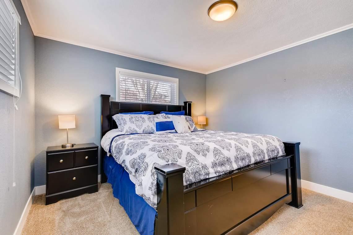 2093 Graves Ct Northglenn CO-large-013-19-Master Bedroom-1499x1000-72dpi