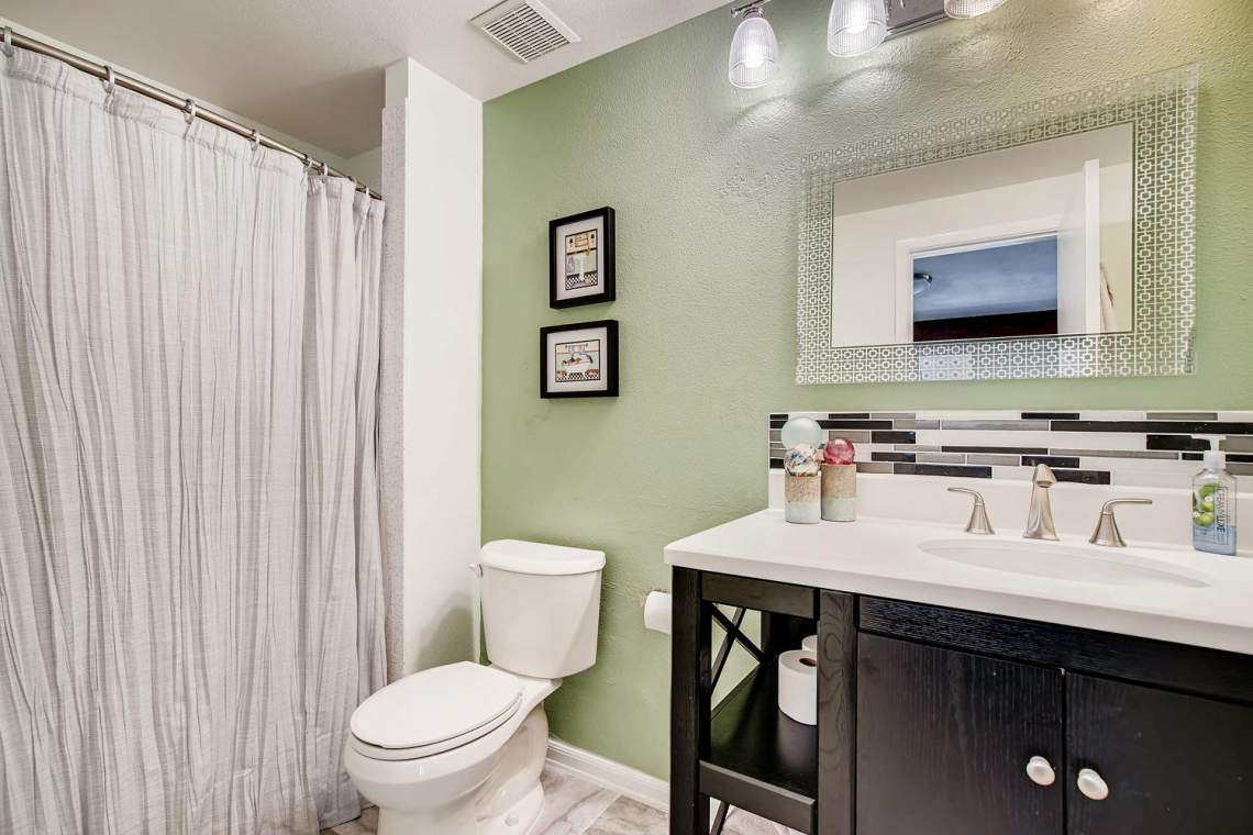 9947-King-Street-Westminster-large-022-015-2nd-Floor-Bathroom-1500x1000-72dpi